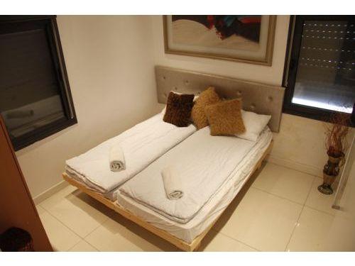Emek Refaim Bed 1